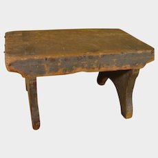 Early Pennsylvania Pine Footstool 18th or 19th Century Dovetail Folky Americana
