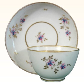 Early New Hall Porcelain Teabowl and Saucer in Pattern 213, Flower Sprigs c.1790.
