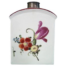Ludwigsburg 18th-Century Porcelain Tea Caddy with a Large Tulip.