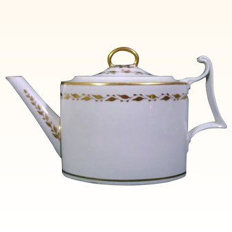 Derby 18th Century Porcelain Teapot of Classic Form