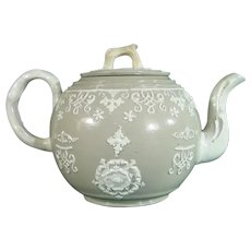 Notable Teapot Attributed to Humphrey Palmer C.1750-55 Staffordshire.