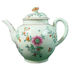 18th-Century Worcester Famille Rose Porcelain Teapot C.1770.