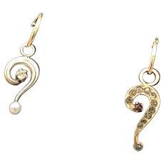Question Mark Gold Earrings w/ Diamond