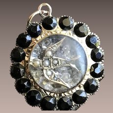 """14KT Yellow Gold Mourning Shaker Swallow Locket w/ Carved Jet """"Return to Me"""""""