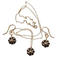 Onyx and Solid 1oKT Gold Earrings and Necklace Set