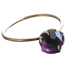 Purple Paste Stone Solitare Ring in 10KT Gold