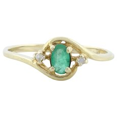 10k Yellow Gold Natural Emerald and Diamond Ring Size 6 1/2