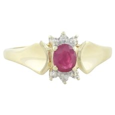 10k Yellow Gold Natural Ruby and Diamond Ring Size 7