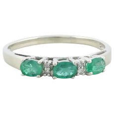 10k White Gold Natural Emerald and Diamond Band Ring Size 7