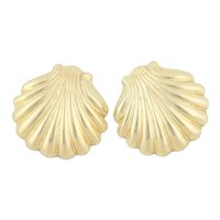Small Post 14k Yellow Gold Scallop Sea Shell Gold Earrings Stud Post Earrings