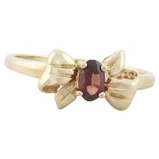 10k Yellow Gold Natural Garnet Bow Ring Size 6 1/4