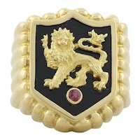 Mens 18k Yellow Gold Crest Lion Ring with Lab Created Ruby Size 7 1/4