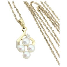14k Yellow Gold Cultured Pearl and Diamond Necklace 18 inch Chain