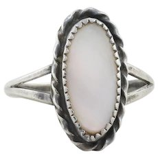 Sterling Silver Mother of Pearl Ring Size 7 3/4