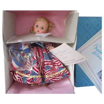 1996 Madame Alexander Limited Edition Wendy Salute to the Olympians Doll NRFB