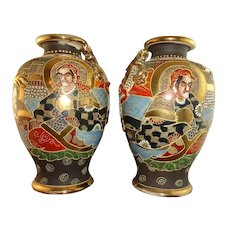 Pair Signed Japanese Satsuma Moriage and Gilt Decorated Vases, Kinkozan