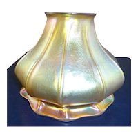 Circa 1900 Signed Quezal Gold Aurene Iridescent Lamp Shade