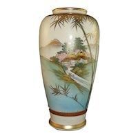 Pretty Japanese Meiji Satsuma Vase