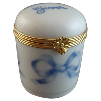 "Limoges Porcelain Box - ""Love The Giver"""