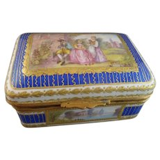19th Century French Porcelain Dresser Box with Hand-Painted Panels