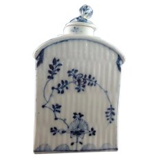 18th Century Ludwigsburg Porcelain Tea Canister, circa 1760