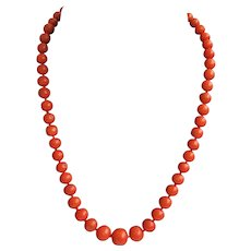 Antique Victorian Sciacca coral beads choker with coral clasp