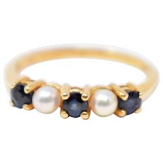 Cute Vintage Tiffany & Co. 14K Yellow Gold Pearl & Sapphire Ring