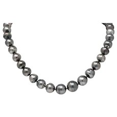 Mikimoto Contemporary Black Tahitian South Sea Pearl 18 Karat Gold Necklace