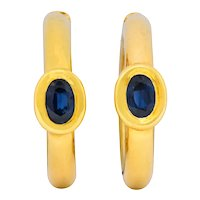 Chaumet Paris Vintage 1.00 CTW Sapphire 18 Karat Gold Hoop Earrings