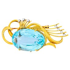 H. Stern 55.15 CTW Aquamarine Diamond 18 Karat Gold Platinum Retro Stylized Brooch