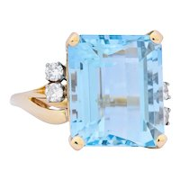 Retro J.E. Caldwell 10.24 CTW Aquamarine Diamond 14 Karat Gold Ring Circa 1950's