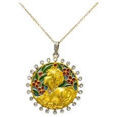 Art Nouveau Plique-à-jour Enamel Diamond Platinum 18 Karat Gold Portrait Pendant Necklace