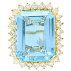 Vintage 30.50 CTW Aquamarine Diamond 18 Karat Gold Cluster Cocktail Ring