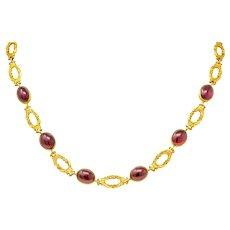 Late Victorian Rhodolite Garnet Cabochon 14 Karat Gold Scrolled Foliate Collar Necklace