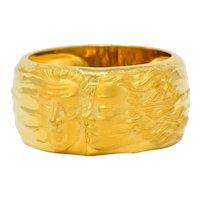 Carrera Y Carrera 18 Karat Yellow Gold Adam & Eve Band Ring Circa 1990