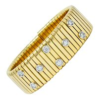 1970's Vintage Italian 1.45 CTW Diamond 18 Karat Gold Tubogas Cuff Bracelet