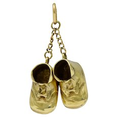Sloan & Co. Retro 14 Karat Gold Articulated Baby Shoe Charm