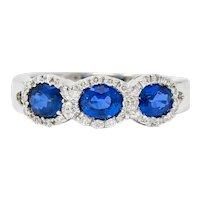 Contemporary Italian 1.75 CTW Sapphire Diamond 18 Karat White Gold Cluster Ring