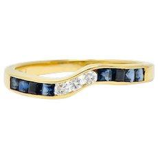 Contemporary 0.50 CTW Sapphire Diamond 18 Karat Gold Chevron Band Ring
