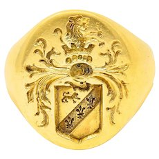 1940's Retro 14 Karat Yellow Gold Unisex Lion Shield Signet Heraldry Ring