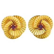 1940's Cartier Paris Ruby 18 Karat Gold Ridged Trefoil Ear-Clip Earrings