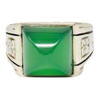 Art Deco Sugarloaf Chrysoprase 14 Karat White Gold Unisex Gemstone Ring