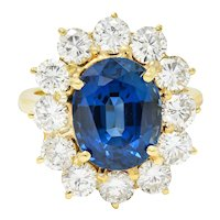 Vintage 6.70 CTW Sapphire Diamond 18 Karat Gold Cluster Ring