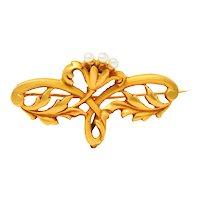 French Art Nouveau Pearl 18 Karat Gold Whiplash Flower Brooch