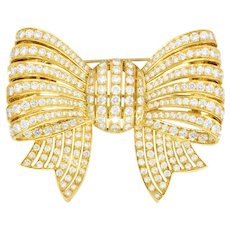 Van Cleef and Arpels 9.65 CTW Diamond 18 Karat Yellow Gold Bow Brooch