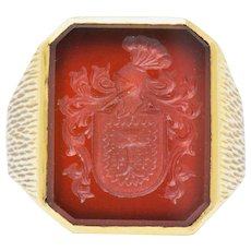 Exemplary Victorian Intaglio Carnelian 18 Karat Gold Unisex Signet Ring