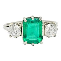 Edwardian 2.80 CTW Colombian Emerald Diamond Platinum Three Stone Ring GIA