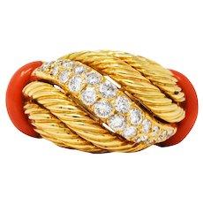 1960's French Vintage Coral 1.00 CTW Diamond 18 Karat Gold Twist Band Ring