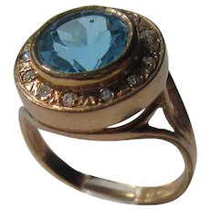 9 kt Pink Gold Round Blue Topaz and Multi Diamond Ring