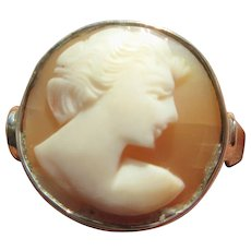 Sterling Silver Round Shell Cameo of Lady Side Portrait Ring